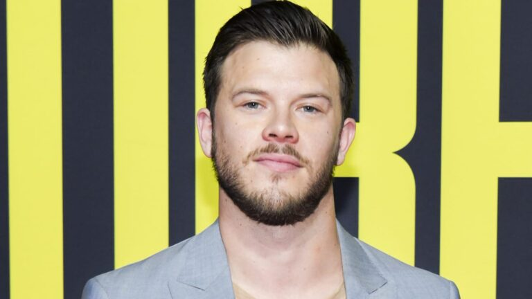 Jimmy Tatro Transforms from Fratty to Daddy on ABC's 'Home Economics'